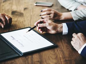 ¿Cómo redactar un contrato de franquicia?