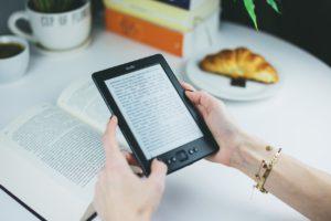¿Pueden comercializarse digitalmente los libros descatalogados sin el consentimiento de sus autores?
