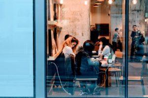 外国留学生是否可以在西班牙工作?