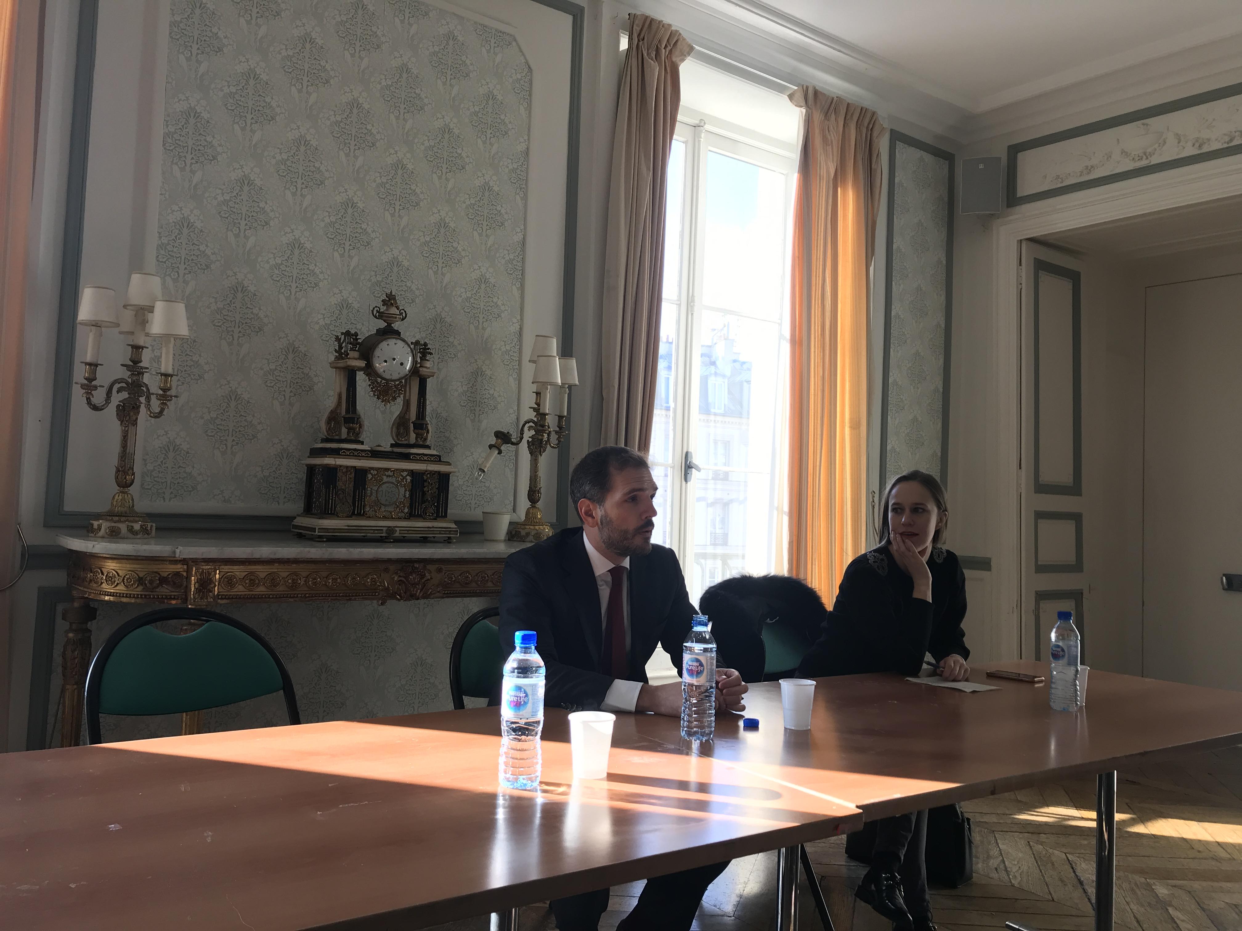 Agustín Tizón da una conferencia en la reconocida Universidad Panthéon-Sorbonne en París